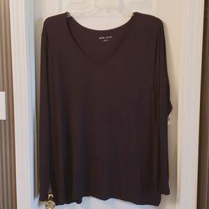 3 for $20 AVA AND VIV 3X Black V Neck Shirt